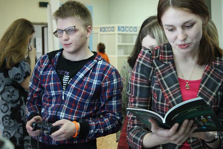 Фото к «Популяризацию мирного атома — в массы!»: ИЦАЭ провел «Библионочь» в НГОНБ и ГПНТБ