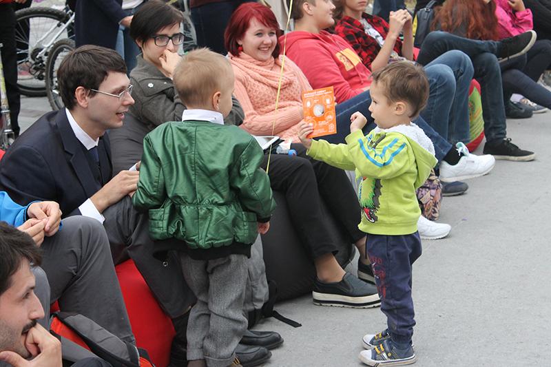 Фото к Суд над супергероями в Академгородке: Сорвиголова виновен, черепашки и Флэш оправданы